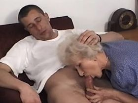 Granny does hot blowjob and has fuck in doggy style