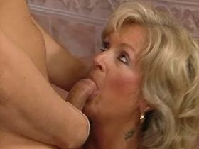 Old mature sucks big cock and has hard fuck on floor