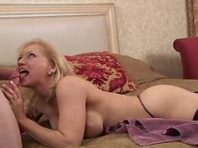 Blonde elder mature does blowjob and gets hot fuck