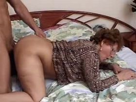 Chubby granny has fuck and gets cumshot on glasses