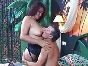 Mature with saggy boobs blows and gets her holes licked