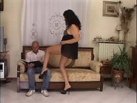 Chubby brunette mature does hot blowjob with pleasure