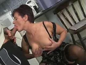 Elder mom fucks in kitchen and gets cumshot on tits
