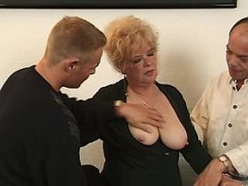 Blonde depraved mature has hard fuck in theesome