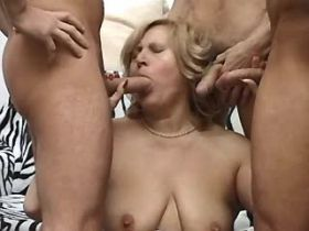 Chubby mature gets fuck in all holes in gangbang